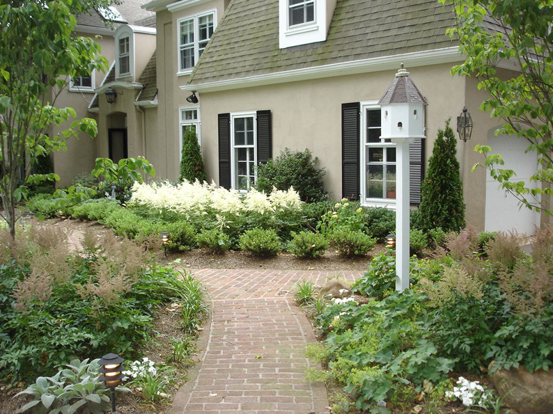 Professional landscaping a good investment in your main for Professional landscape design