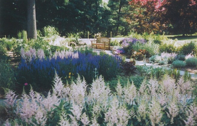 High Quality English Cutting Garden Featuring Many Colorful Perennials