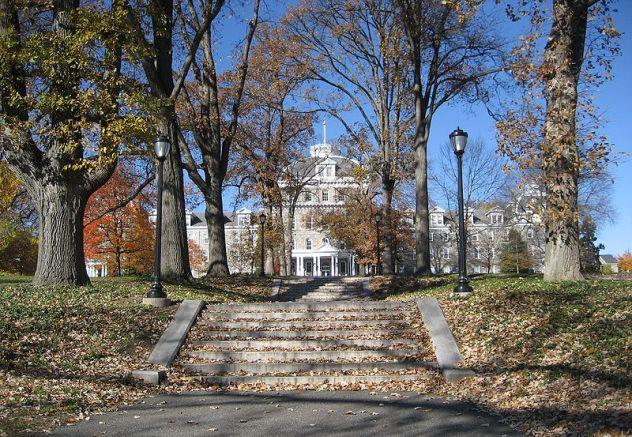 Image of Parrish Hall on Swarthmore Campus via Wikimedia