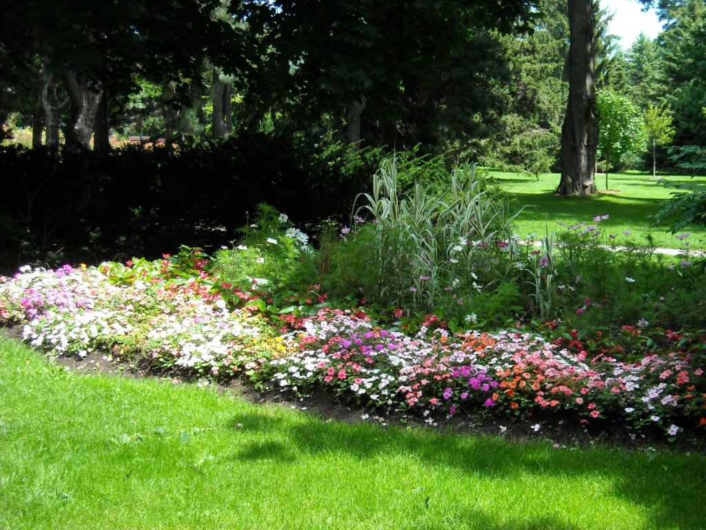 beautiful gardens  in Philadelphia's Main Line Southern New Jersey and Northern Delaware communities
