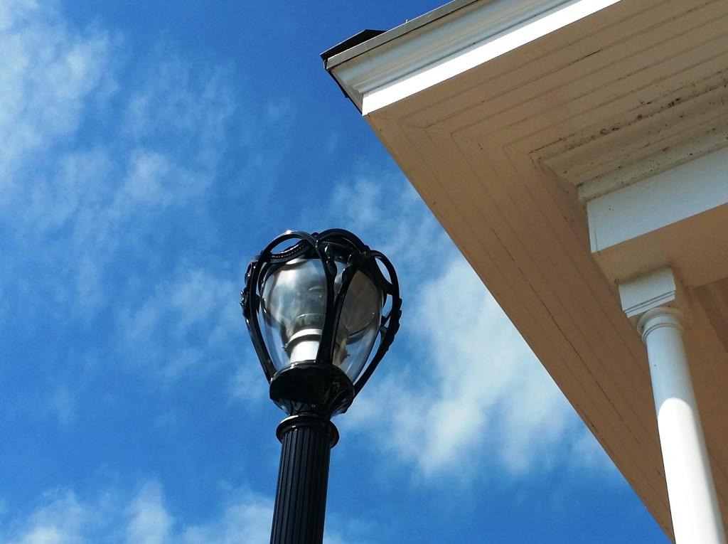 pole-mounted-architectural-landscape-lighting-philadelphia